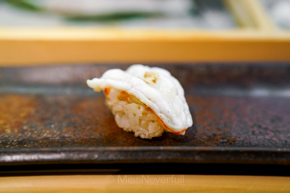 11. 牡丹海老 炙り | Seared botan-ebi