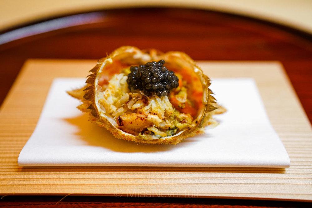 1. 花見蟹の飯蒸し(もち米)とキャビア | Hamani-gani, Steamed Mochi rice, Caviar
