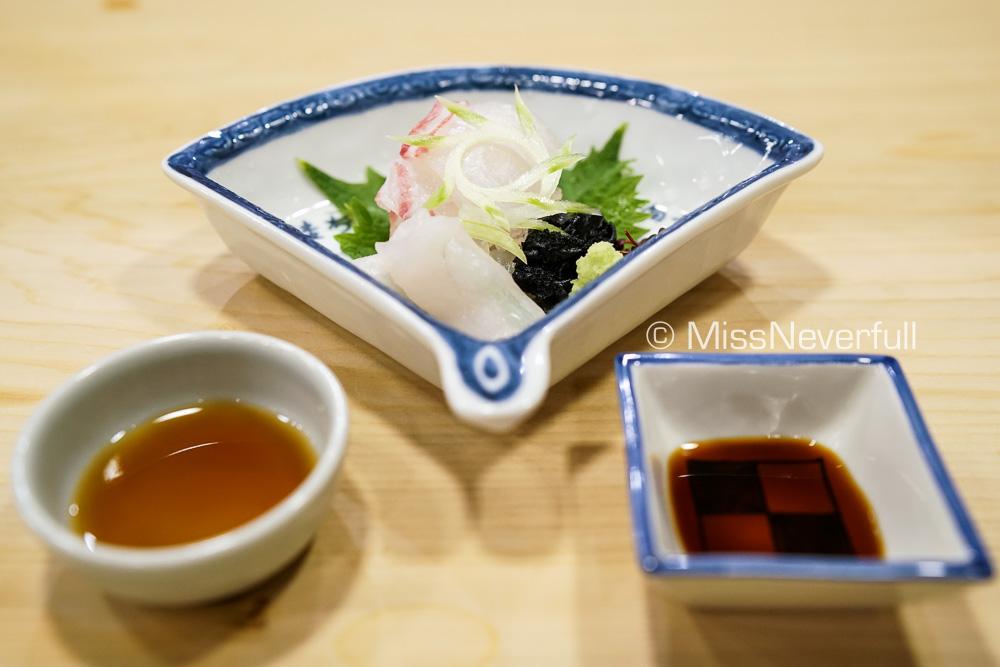 お造り: 明石の鯛、ふぐ | Sashimi: Tai and Fugu