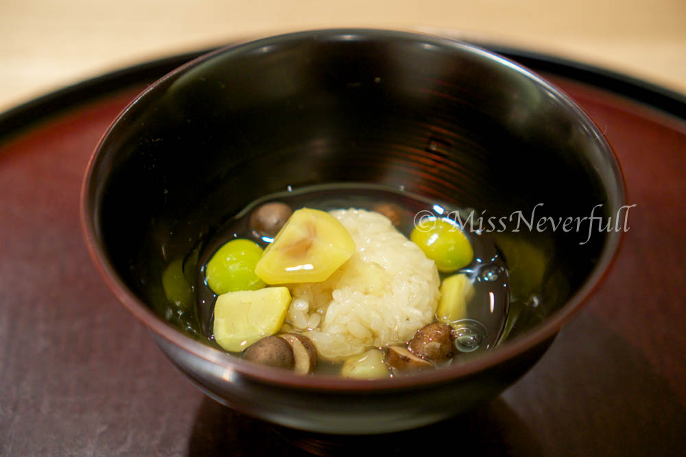 7. Steamed rice 'iimushi' with ginkgo nuts