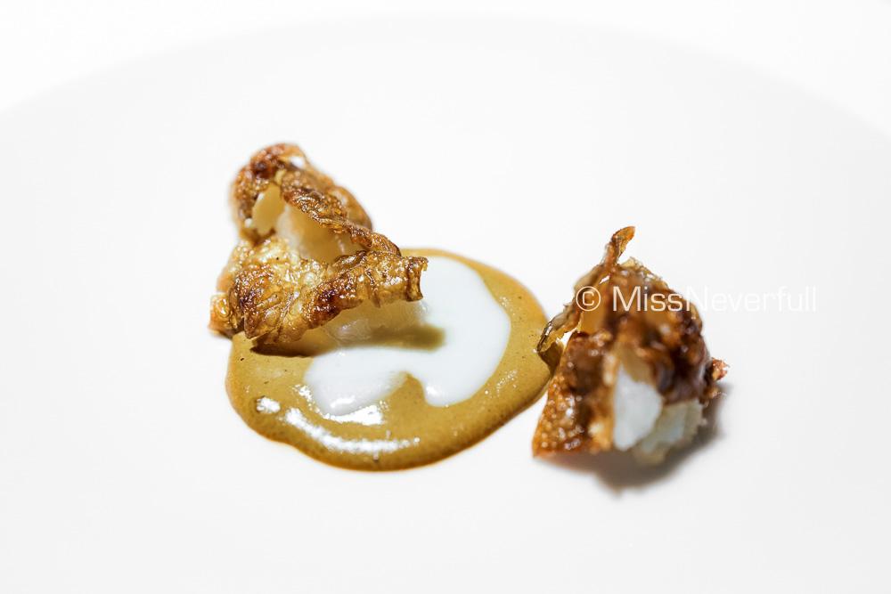Contrast ~ Crackling Jerusalem artichoke, smoked mussels, Comte cheese sauce
