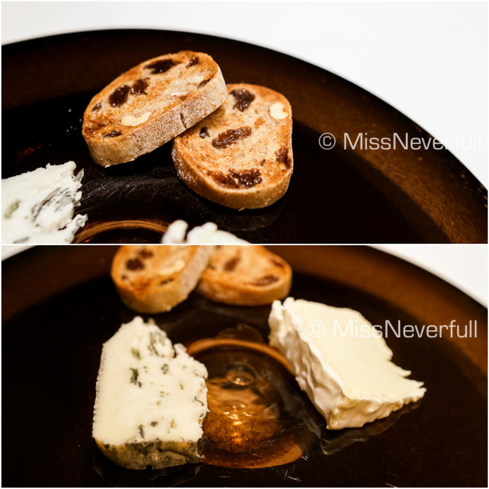 Cheese platter: blue and goat cheese, raisin biscuits