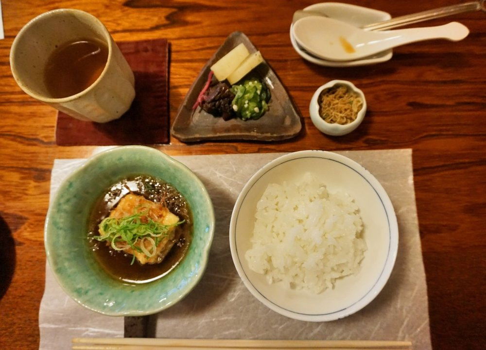 Rice with fragrant peas and fried baby fish, vegetable pickes, and Agedashi tofu (fried tofu) 御飯, ちりめん山椒,漬物,揚げ出し豆腐