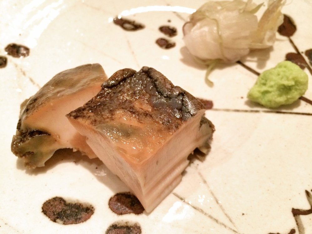 6. Steamed Abalone with abalone liver sauce アワビ蒸し, 肝のソース