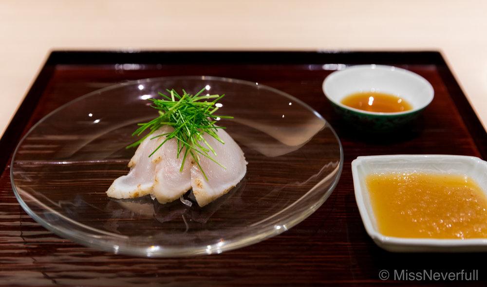 3. Fugu sashimi (ふぐ刺身)