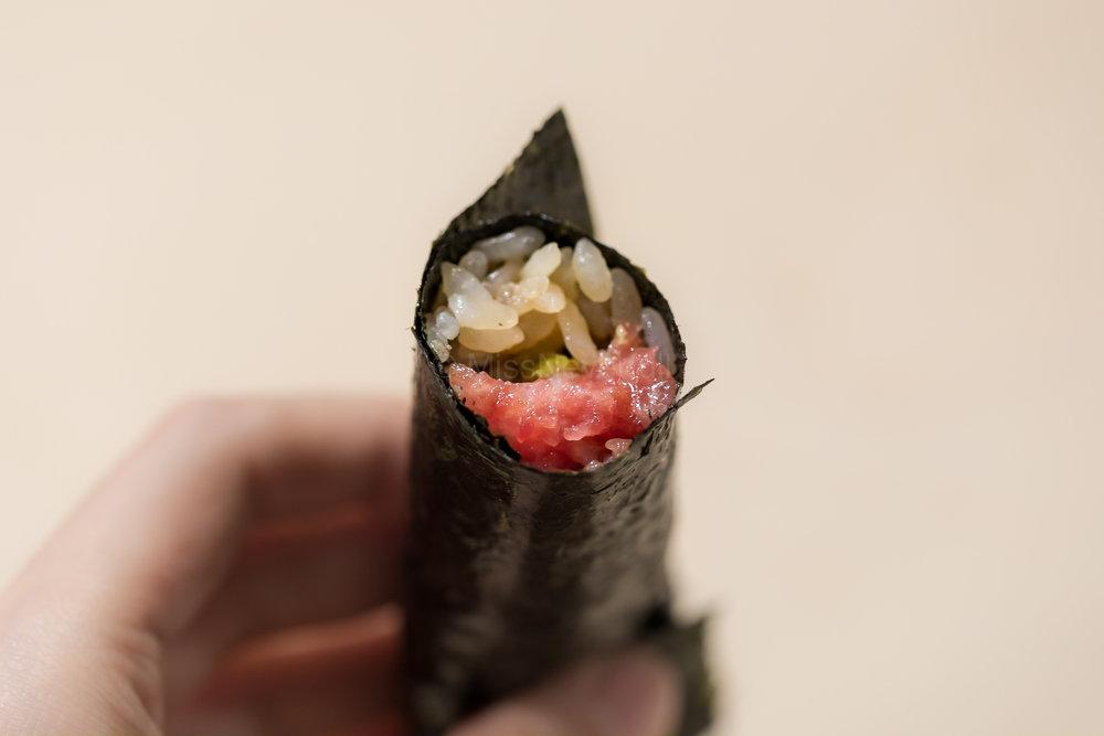 Toro-temaki (hand roll)