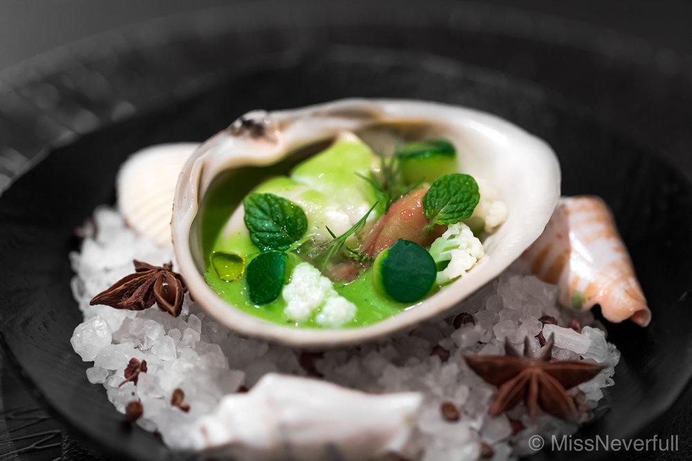 2. Boiled surf clam, Txakoli & mint