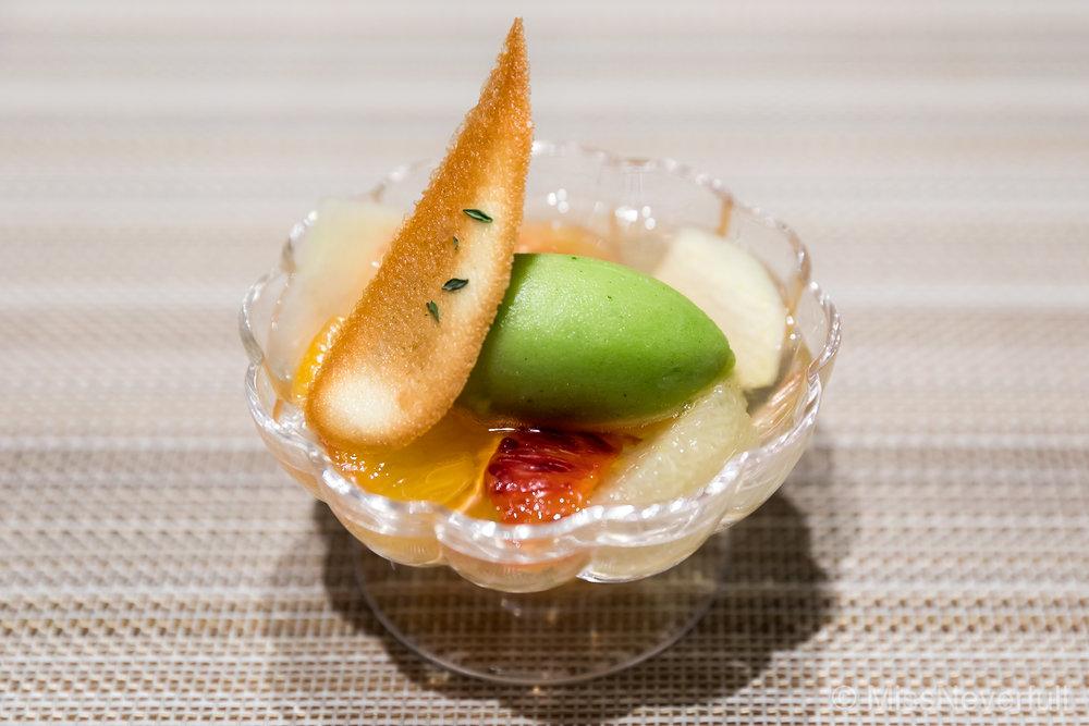 6. Ehime citrus and basil (愛媛産柑橘類のデザート)