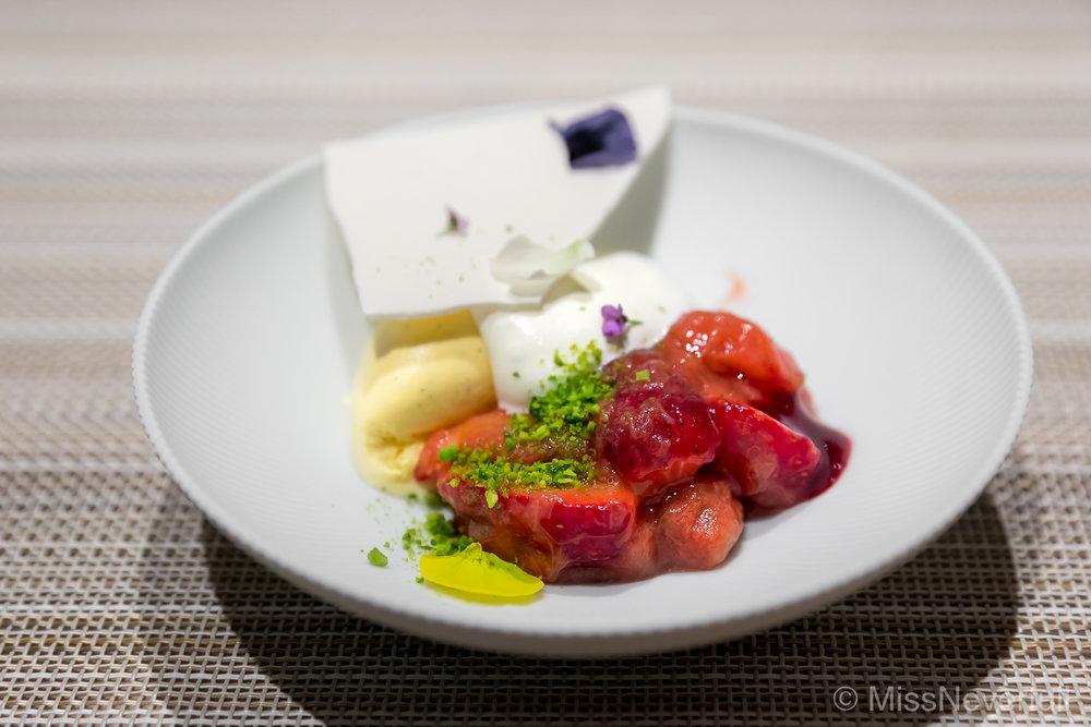 7. 'Kotoka'strawberry from Nara, rhubarb (奈良産古都華イチゴ)