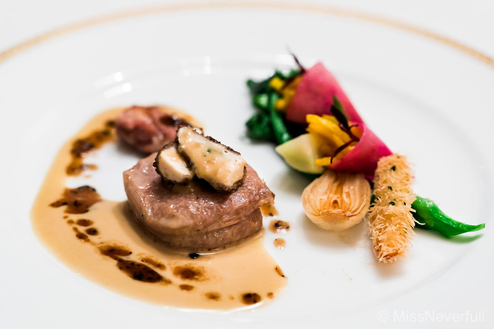 5. Grilled veal with mushroom sauce and seasonal vegetables