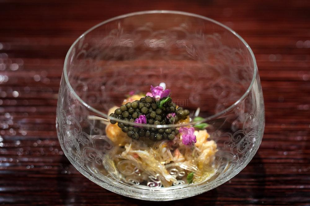 4.Kenagi, murasak uni, beluga caviar 毛蟹、紫雲丹、生キャビア