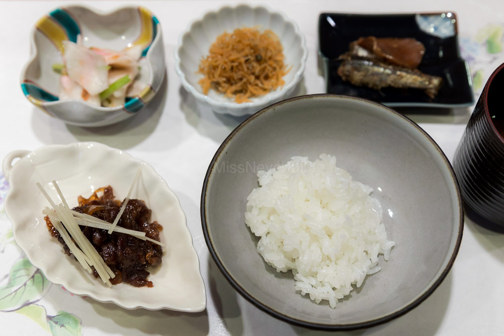 11. White rice set , side of Chirimen, Boiled beef in soy sauce; second bowl was Ochazuke served with Iwashi and ginger  白ご飯、ちりめん、牛しぐれ煮、鰯のお茶漬け、香物