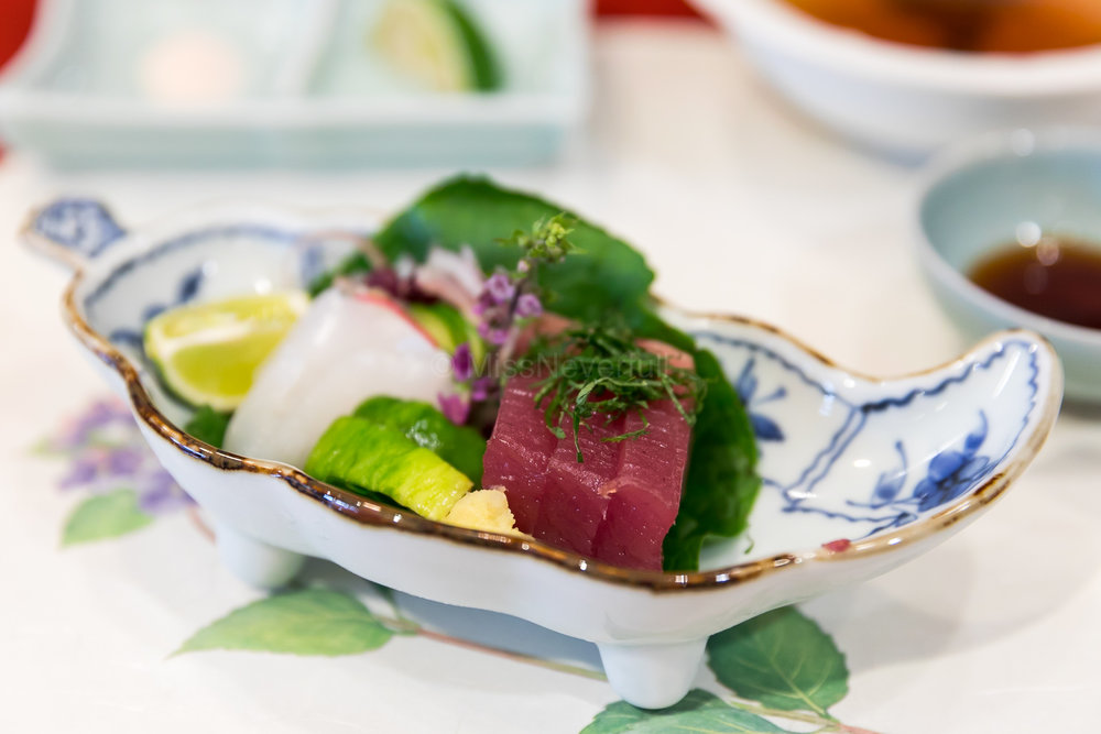 Starter - Sashimi (Ika and Akami)