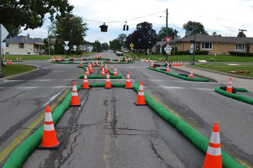 mini-roundabout demonstration at Decatur Road and Parker Boulevard