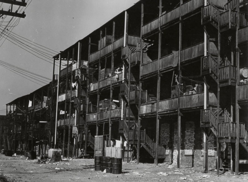 buildings  1946 Tenements  Rear view of tenements at 31st and Dearborn Streets