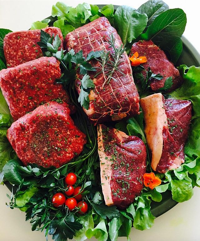 We are officially offering our monthly Right Lane Ranch Club boxes on our website!!Plus for the rest of 2018, Free Nationwide Shipping on all orders over $50. #lifeintherightlane #rightlaneranchclub #grassfedbeef #grassfinished