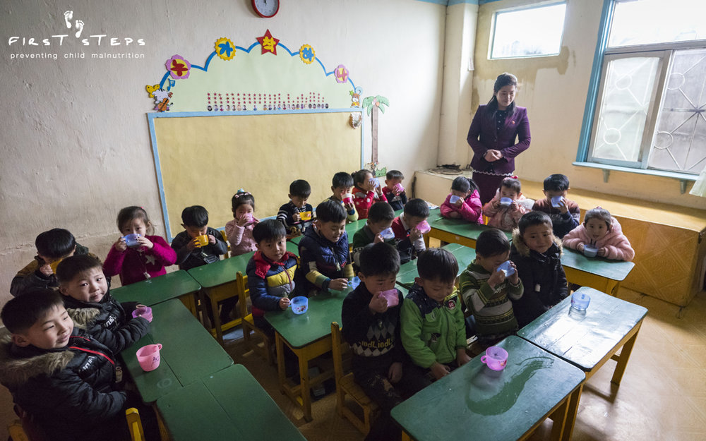 While in Wonsan, the team also visited the Poha Kindergarten. Teacher Hwang Hye-Sun explained that the children will be going to grade one in April. In North Korea, children begin kindergarten at age five and attend for two years before going to elementary school.
