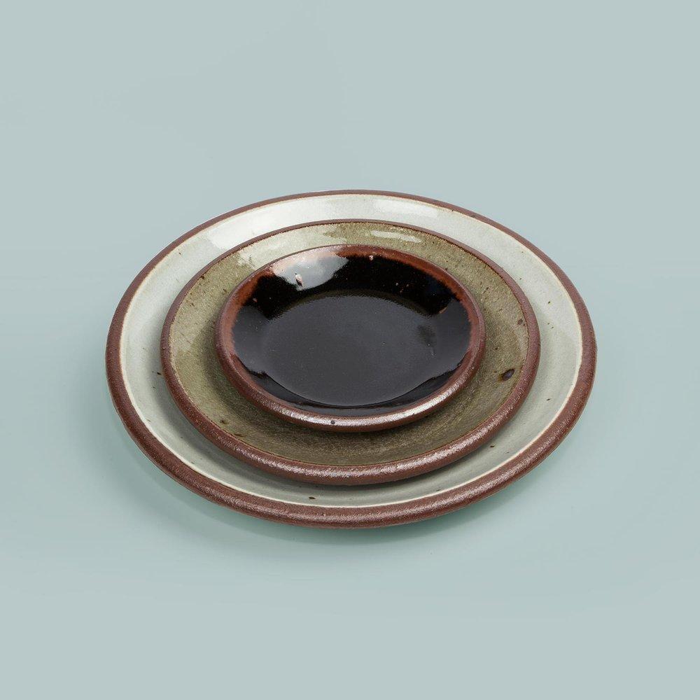 Standard Ware Plates  Dinner, side and dessert plates.  £30/£19/£16