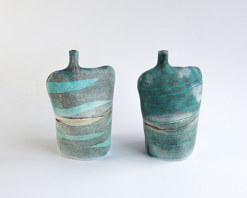 Medium Wide Bottle   Glazed stoneware. Dimensions: 14 cm x 12 cm  £40.00 (each)