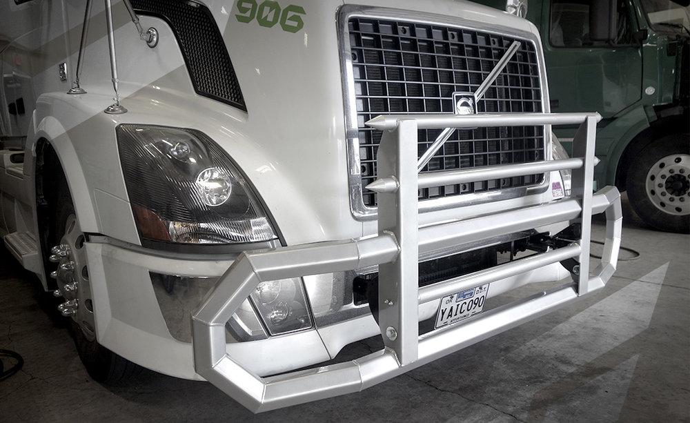 2016 Volvo VNL  Commercial Bumper