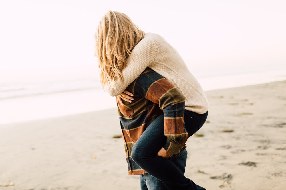 blacks beach engagement session_0044.jpg