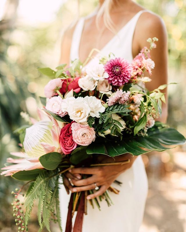 Fave bouquet of the year so far 😍 Keep 'em coming @layeredvintage... #bouquetgoals #sandiegowedding