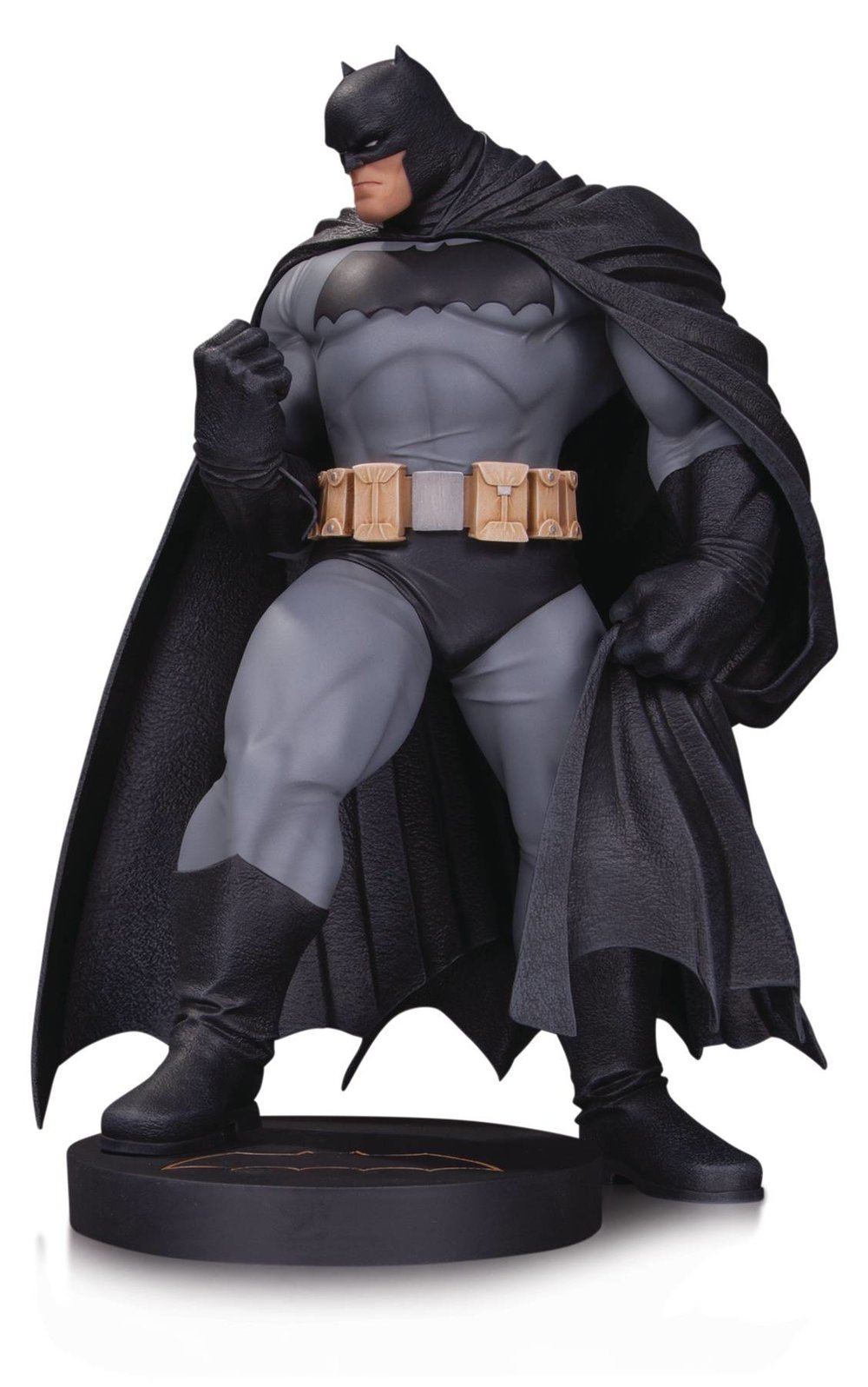 DC DESIGNER SER BATMAN BY ANDY KUBERT MINI STATUE.jpg