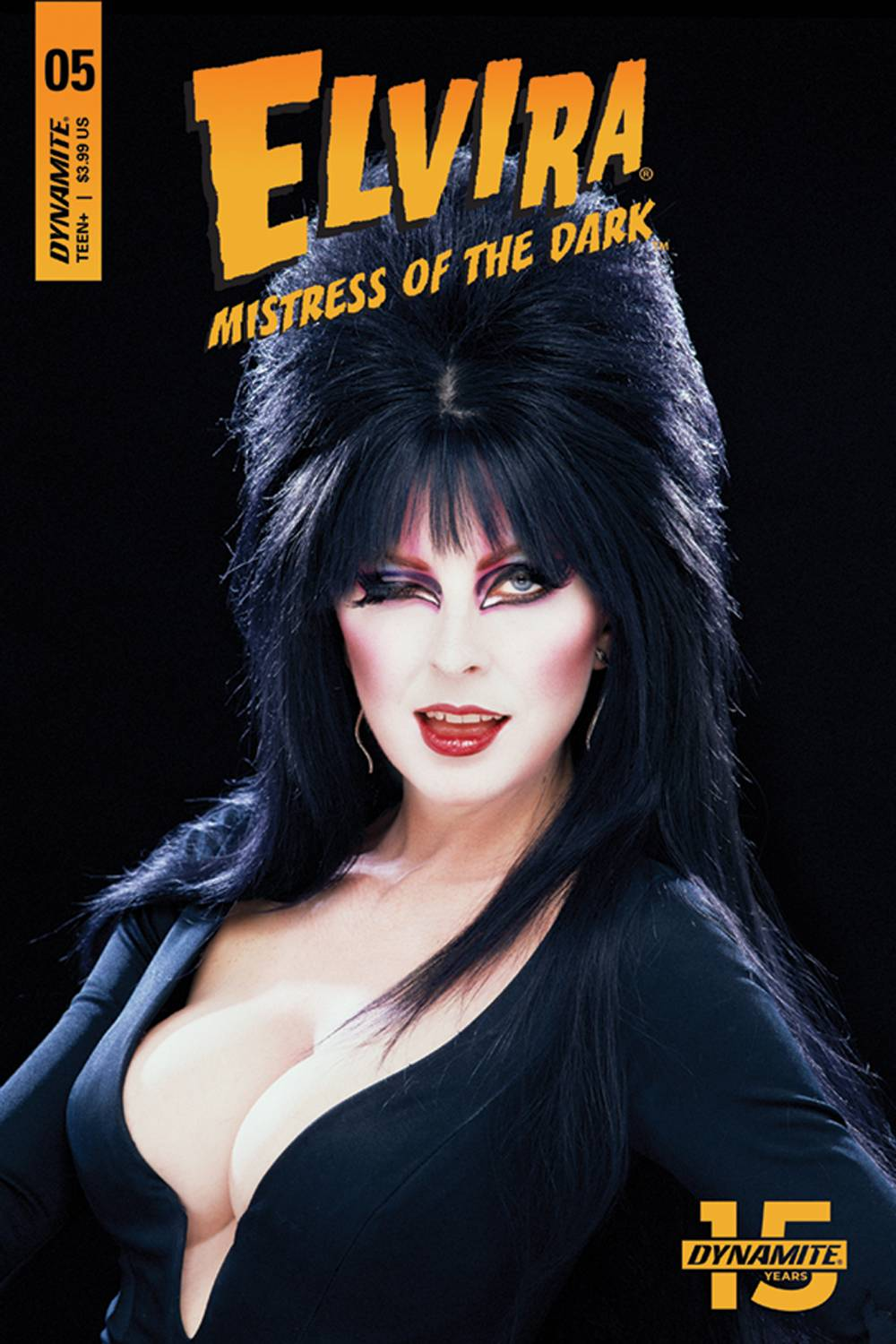 ELVIRA MISTRESS OF DARK 5 CVR D PHOTO SUB VAR.jpg