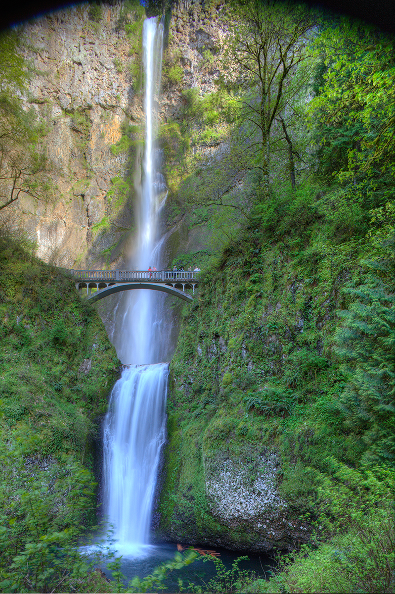 EOT_WATERFALLS_MAIN-Multnomah-Falls-Crown-Point-Oregon-2.jpg