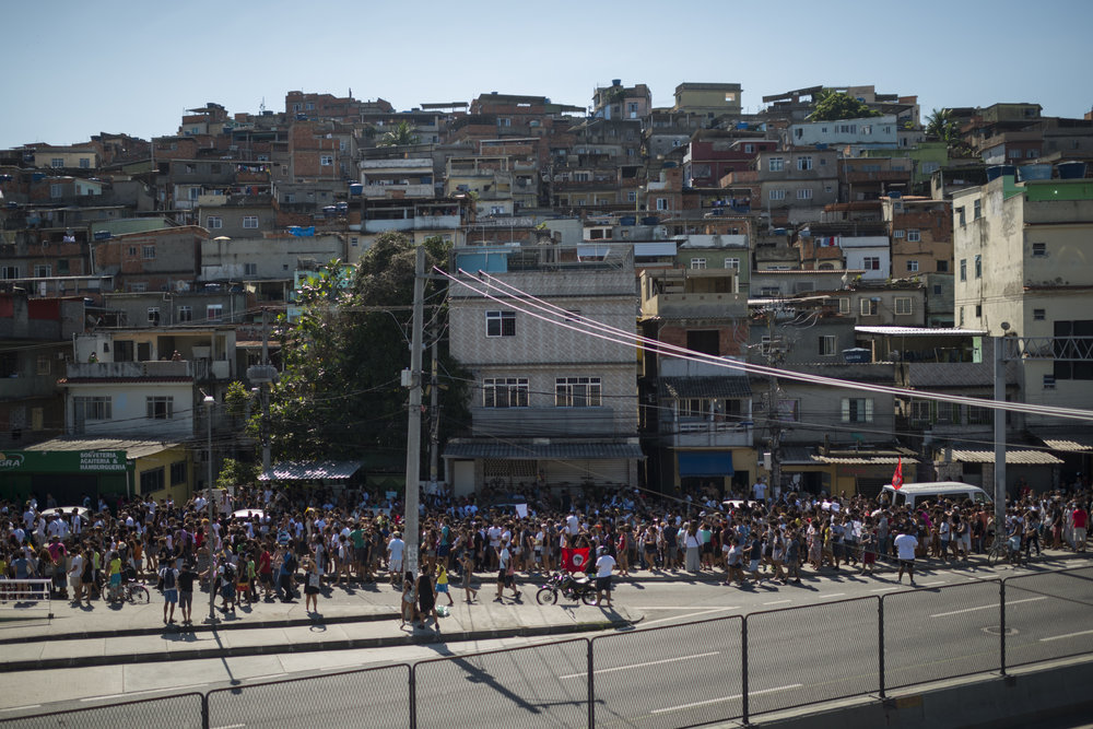 March, 18, 2018. 2:30pm. On fourth day, the residents of Maré favela, the community where Marielle grew up, made a demonstration demanding justice and against the black people genocide.