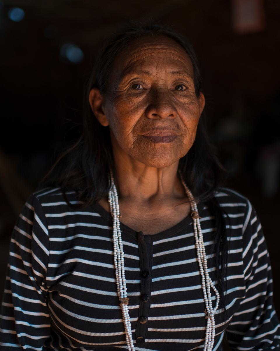 Helena, 61, Kaiowá