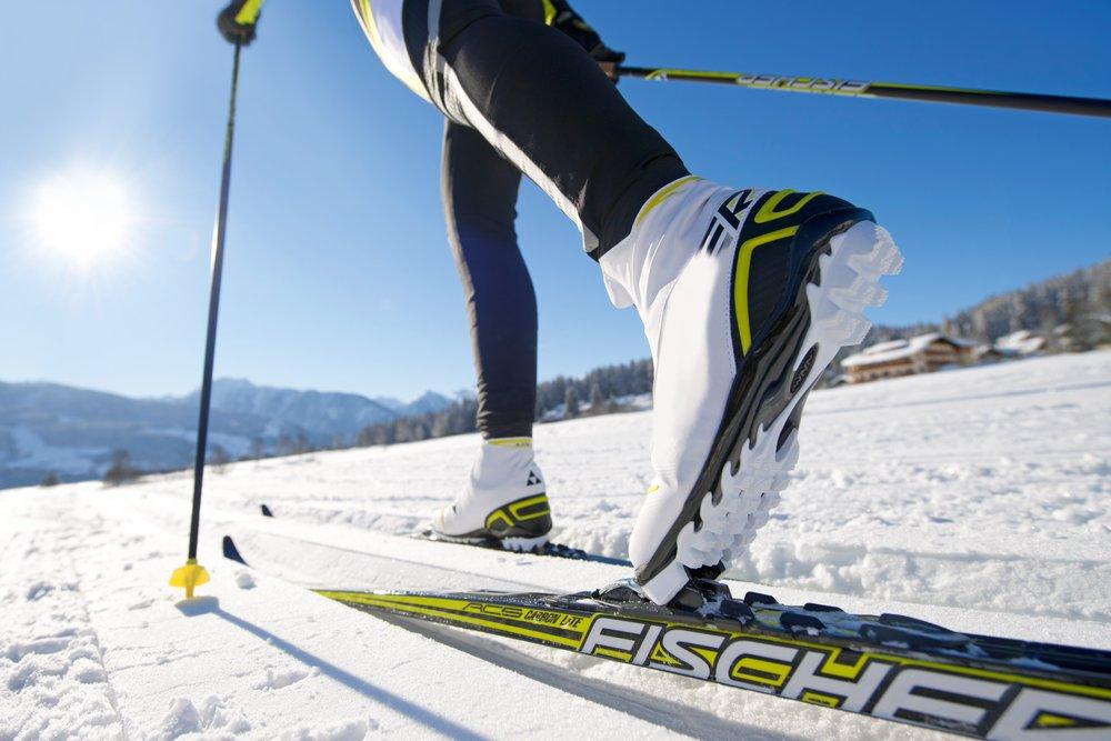 cross-country-skiing-binding-langlaufschuh-cross-country-ski-39344.jpeg