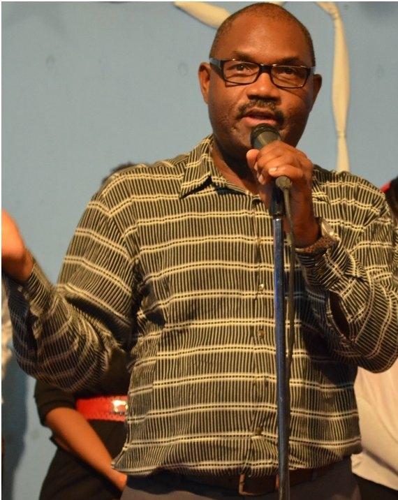 Pastor Poteau 1.jpg