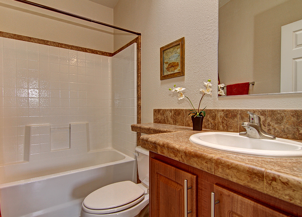 American Spirit Homes-American Freedom 2856, Bathroom