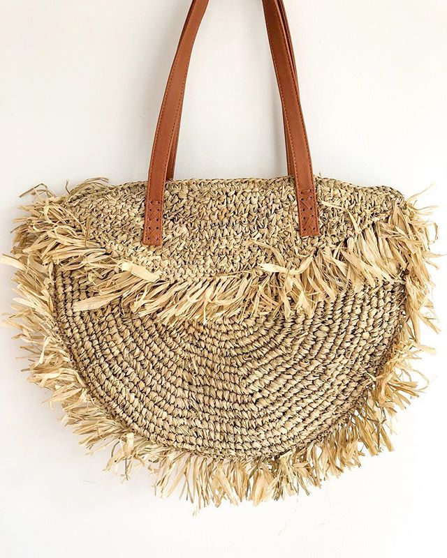 handwoven seagrass bags 🌾