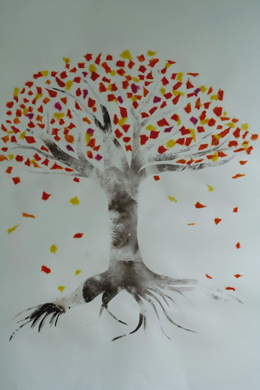 Autumn Tree/Falling Leaves