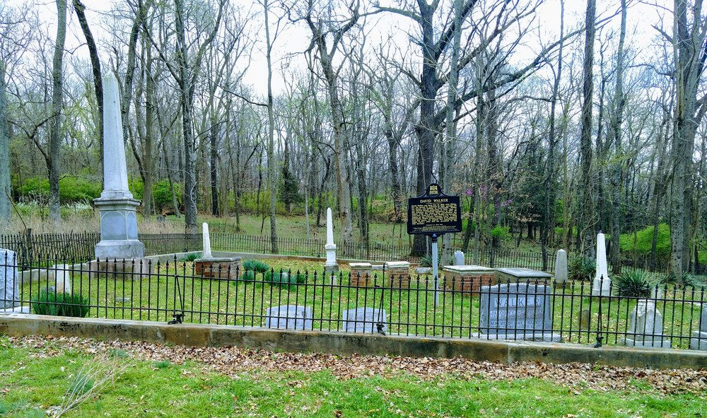 Walker Family Cemetery.jpg