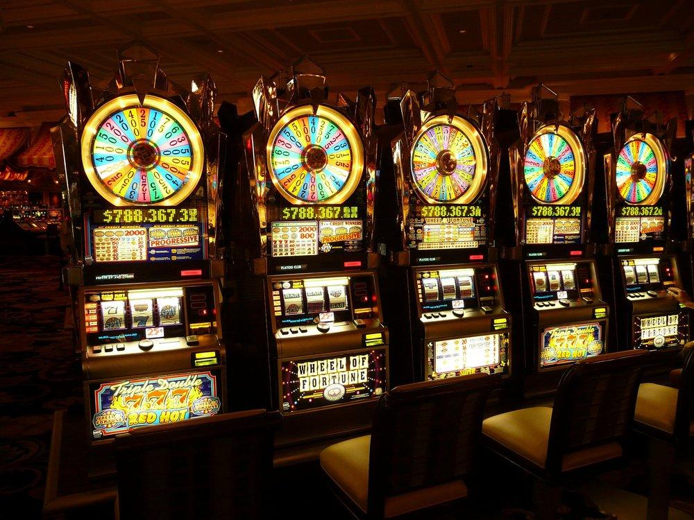 gambling-machine-4926_1920.jpg