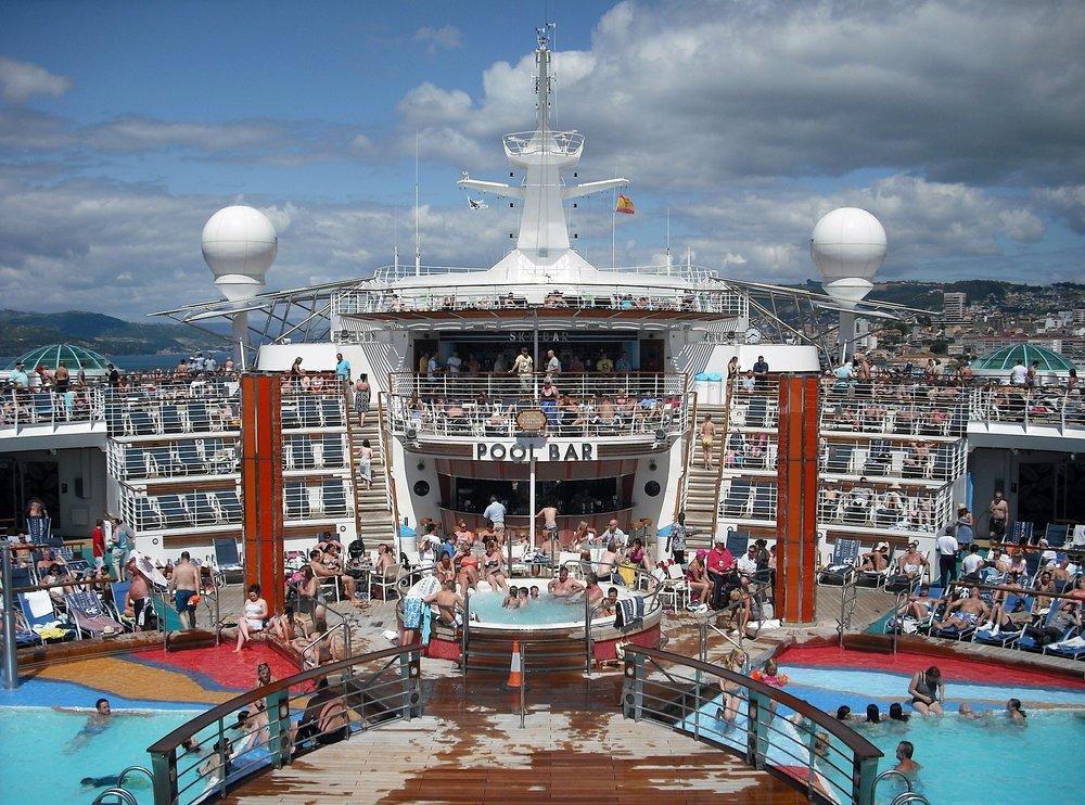 cruise-ship-615126_1920.jpg