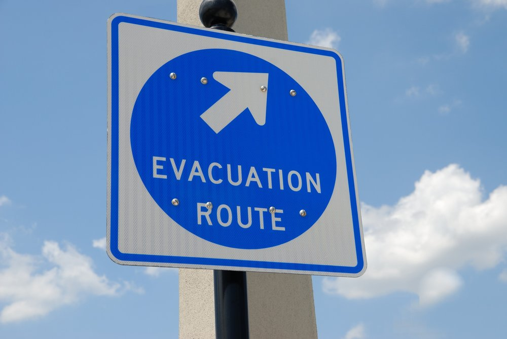 evacuation-sign-1738375_1920.jpg