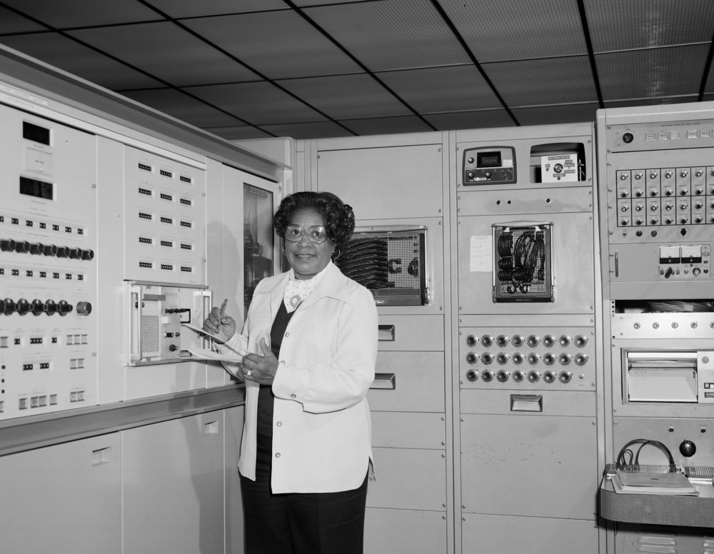 Aeronautical engineer Mary Jackson works at a giant Nasa computer.