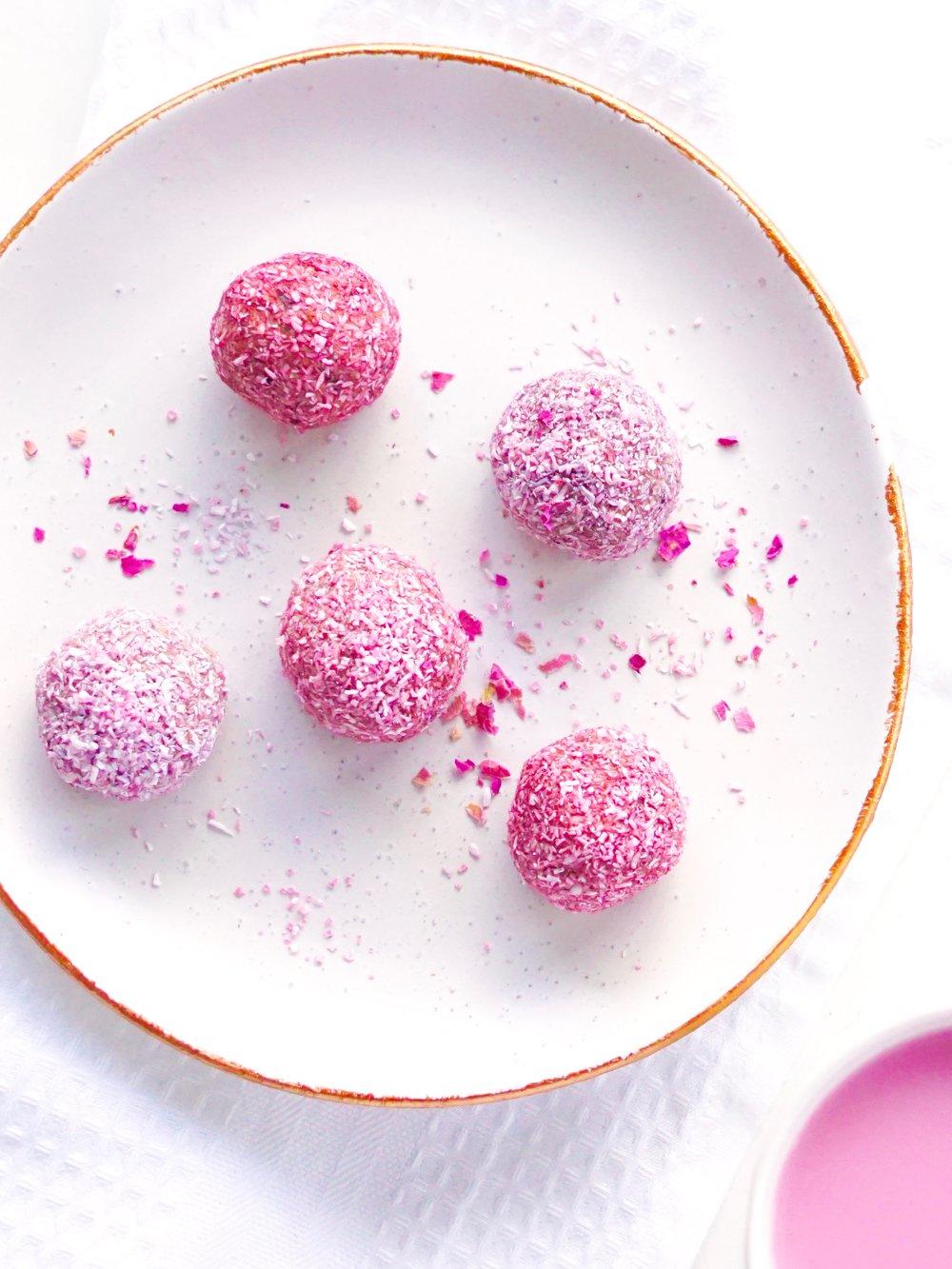 Tahini Cacao Bliss Balls