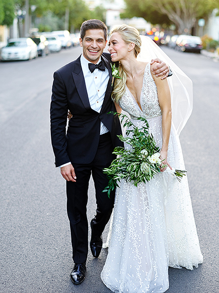 The Flash's Nicholas Gonzalez Marries Kelsey Crane