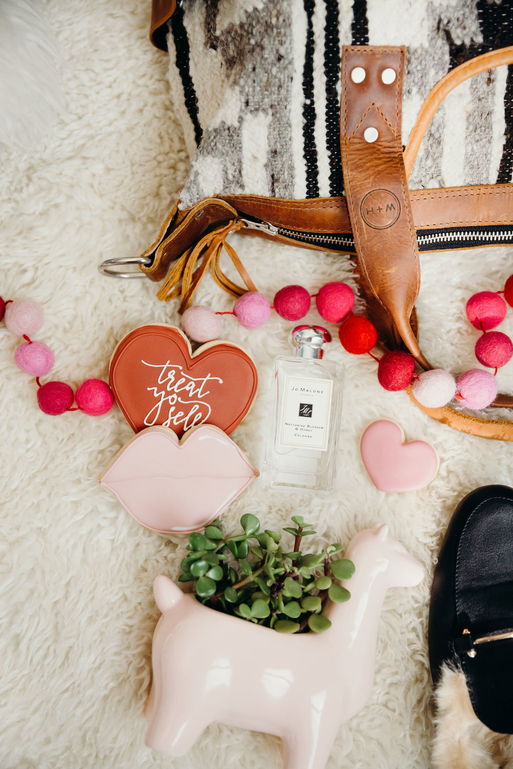 Top Five:TreatYo SelfValentine's DayEdition - We have come up with our TOP FIVEperfect girly Galentine's gifts you shouldTreat Yo Self with this Valentine's Day,because well, you deserve it!