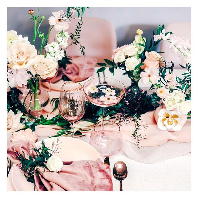 Hello SPRING!!🌸🌸🌸 We can't WAIT to show you all the gorgeous details from this shoot we recently did with the insanely talented @poppycart.co Flowers are obvi are favorite part of spring!! What's yours?! Photo cred: @meg.b.stone • • • • #tablescape #tablesetting #tabledecor #placesetting #eventstyling #tabletop #dinnerparty #spring #springdecor  #therevelryco #creatingmemories #livelifehappy #partydecor #partyplanner #eventplanner #eventstyling #brandstylist #contentcreator #bayareaeventplanner #momentslikethese #gatheringslikethese #flowers #flowerstagram #flowerarrangement #anthropologiehome #anthropologie