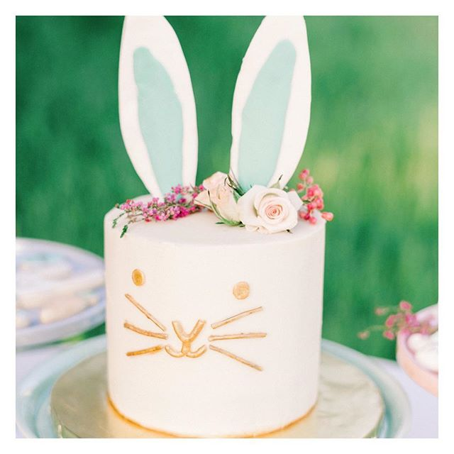 """Hoppy"" Saturday!  @b.r.sweets created this magical bunny cake for us and we could hardly HANDLE the cuteness! Come on, those gold whiskers!✨🐰✨ • • • #easterparty #easterdecor #easterbrunch #easteregghunt #merimeri #eastertable #easter #therevelryco #creatingmemories #livelifehappy #partydecor #partyplanner #eventplanner #eventstyling #brandstylist #contentcreator #bayareaeventplanner #momentslikethese #gatheringslikethese #bunnycake #eatcake"