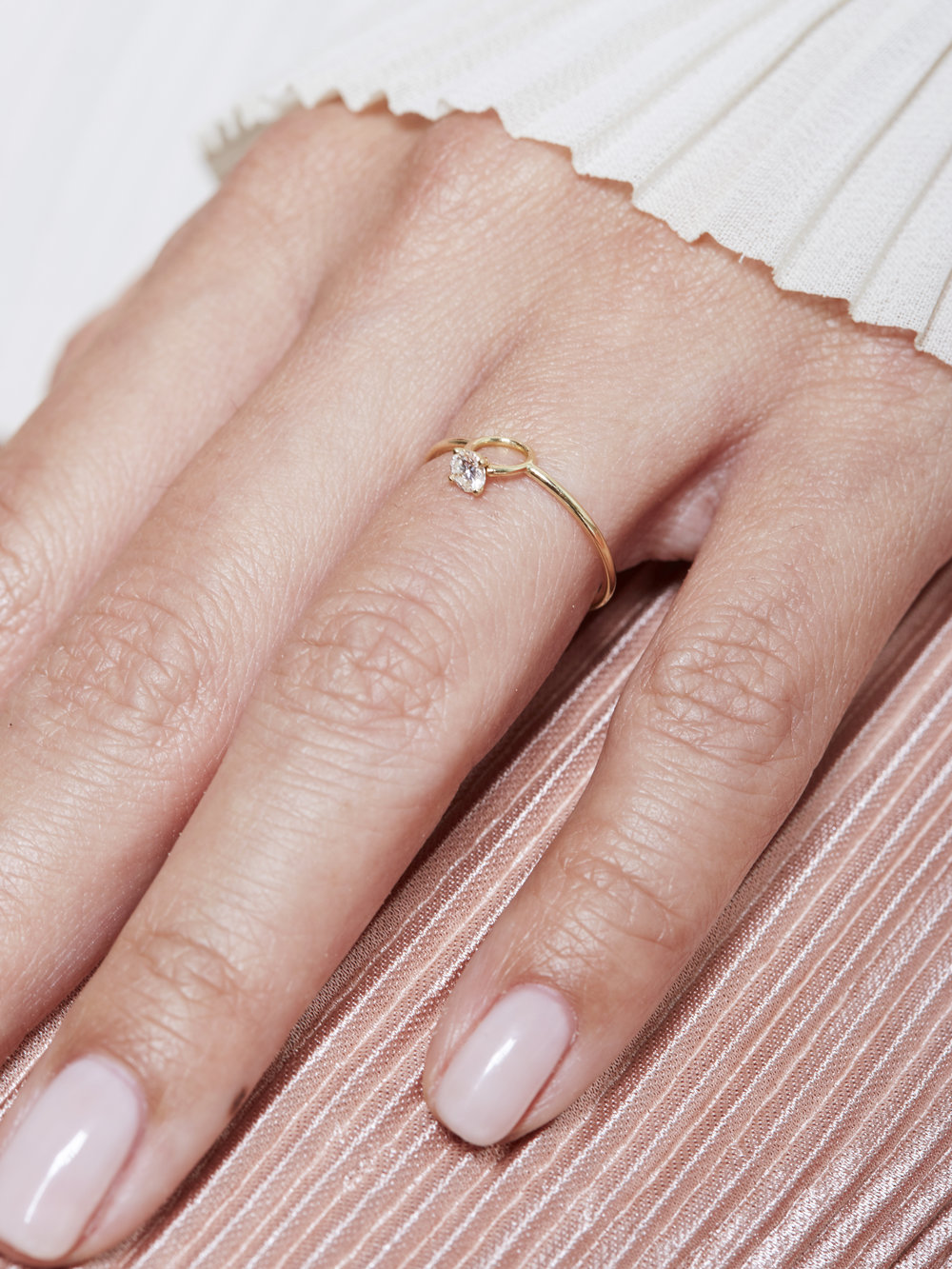 PETITE ENGAGEMENT RING — COMMA JEWELRY