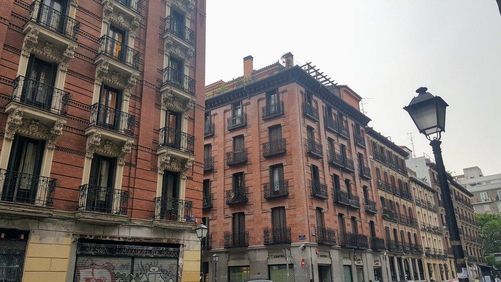 Walking down Calle Sandoval, Madrid