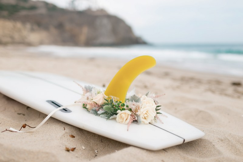 MV florals - beach engagement (26).jpg