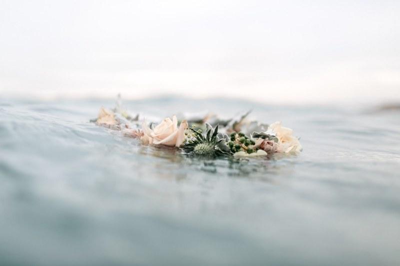 MV florals - beach engagement (34).jpg